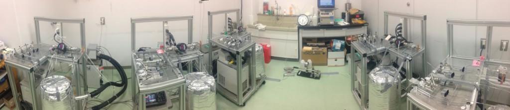 高温・高圧培養装置、左からPurple、Red、Green、Yellow、Pink。